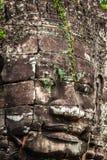 Framsidor av den Bayon templet i Angkor Thom, Siemreap, Cambodja royaltyfri fotografi