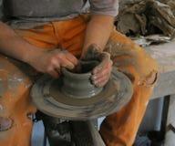 framställning av krukmakeri royaltyfria foton