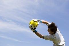 framställning för fotbollmålvårdare sparar fotboll Royaltyfria Bilder