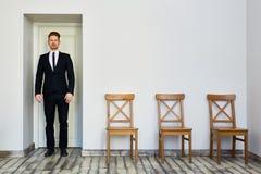 Framstickande Leaving Office royaltyfria bilder