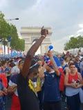 França comemora a vitória do campeonato do mundo 2018 imagens de stock royalty free