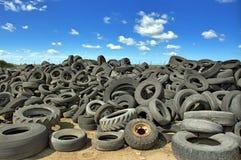 França, descarga de pneus usados imagem de stock