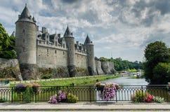 FRANÇA JOSSELIN O 27 DE AGOSTO: vista do castelo na cidade de Josselin de França O castelo primeiramente foi construído no do séc imagem de stock