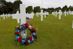 França, Normandy, o 6 de junho de 2011 - sepulturas dos soldados que morreram durante a operação militar em 1944 em Normandy Foto de Stock Royalty Free
