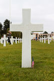 França, Normandy, o 6 de junho de 2011 - sepulturas dos soldados que morreram durante a operação militar em 1944 em Normandy Fotografia de Stock Royalty Free
