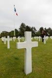 França, Normandy, o 6 de junho de 2011 - sepulturas dos soldados que morreram durante a operação militar em 1944 em Normandy Imagens de Stock Royalty Free