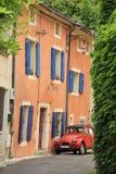 Français classique de découpage de véhicule comprenant le blanc d'isolement de chemin Photos stock