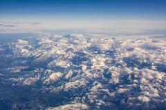 Français et l'Espagnol Pyrénées avec la neige a couvert des montagnes Image libre de droits