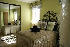 Francês do quarto da cama Imagens de Stock Royalty Free