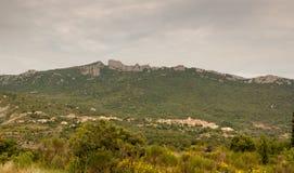 Francês Pyrenees da vila e do castelo Imagens de Stock Royalty Free