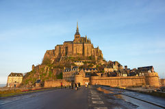 france Mont Saint-Michel i vintern Arkivbild