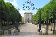 France, Yvelines: Castle/Entrance - Château de Villiers-le-Mahieu Stock Photos