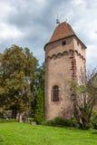 Frances, Alsace, une tour de Moyen Âge dans Obernai Photo libre de droits
