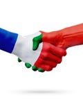 Frances de drapeaux, pays du Portugal, concept de poignée de main d'amitié d'association Images stock