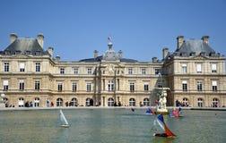 Frances de palais et de lac du luxembourgeois, Paris Image libre de droits