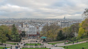 FRANCES DE PARIS - 22 NOVEMBRE 2012 : Montmartre dans le panorama de Paris et de paysage urbain france Photo stock
