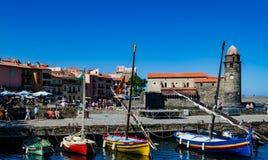 Frances de port de pêche de Collioure images libres de droits