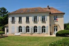 Frances, la ville pittoresque de Neauphle le Chateau image stock