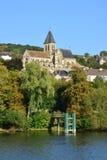 Frances, la ville pittoresque du sur la Seine de Triel Photos stock