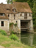 Frances, le moulin pittoresque d'Ande dans Normandie Photos stock