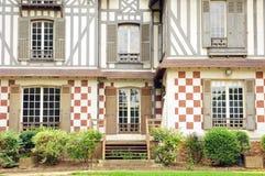 Frances, maison de Les Buissons dans la ville de Vernouillet Photographie stock