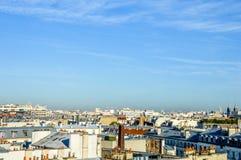 Frances - Paris - horizon avec des toits Images libres de droits