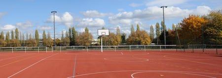 Frances, Yvelines, un au sol de sports dans Les Mureaux photographie stock