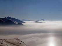 Francese Alpes dell'intervallo di montagna dello Snowy Fotografia Stock Libera da Diritti