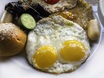 Francese tradizionale Brittany Cuisine di una prima colazione del pancake di crêpe del grano saraceno con l'uovo fotografia stock libera da diritti