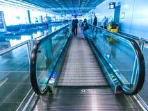 Francfort, Allemagne - 28 avril 2018 : À l'intérieur de Francfort Pearson Airport à Francfort, l'Allemagne le 28 avril 2018 images libres de droits