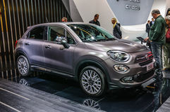FRANCFORT - SEPTEMBRE 2015 : FIAT 500x présenté à l'International d'IAA Photo libre de droits
