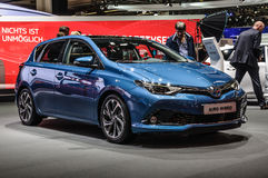 FRANCFORT - SEPTEMBRE 2015 : Hybride de Toyta Auris présenté à IAA inter image stock