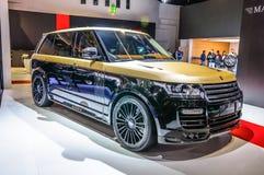 FRANCFORT - SEPTEMBRE 2015 : Pres de Rover Range Rover Sport Mansory de terre images stock