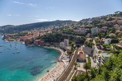 francia Ciudad del Villefranche-sur-Mer y la bahía de Villefranche Imágenes de archivo libres de regalías