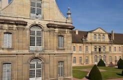 Francia, ciudad pintoresca de Cluny en Saone y el Loira Fotografía de archivo libre de regalías