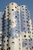 Francia, edificio moderno en el distrito de Pablo Picasso de Nanterr fotografía de archivo libre de regalías