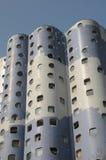 Francia, edificio moderno en el distrito de Pablo Picasso de Nanterr imagen de archivo libre de regalías