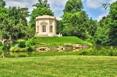 Francia, el estado de Marie Antoinette en el parc del PA de Versalles Fotos de archivo libres de regalías