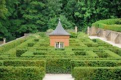 Francia, el jardín del castel de Breteuil foto de archivo