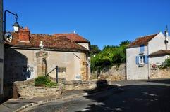 Francia, el pueblo pintoresco de Montgeroutl Fotos de archivo