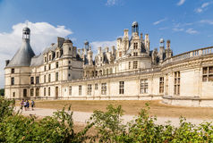 francia Fachada lateral del castillo francés de Chambord, un sitio del patrimonio mundial de la UNESCO, 1519-1547 Fotos de archivo