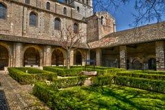 Francia, la abadía pintoresca de Philibert del santo de Tournus en el Sa Fotos de archivo