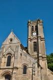 Francia, la iglesia pintoresca de carbones de leña Fotos de archivo libres de regalías