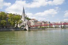Francia, Lyon - 3 de agosto de 2013: Puente Pasrel-Santo-Jorte, ventaja Fotos de archivo libres de regalías