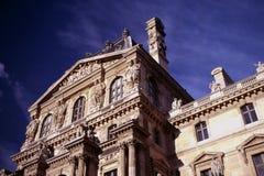 Francia París, fachada de la lumbrera contra sky.jpg Foto de archivo