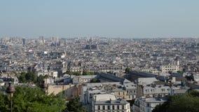 FRANCIA, PARÍS - JUNIO: Edificios y hogares, cacerola horizontal metrajes