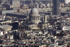 Francia, París; opinión de la ciudad del cielo con el panteón Imagen de archivo