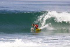 Francia que practica surf imagen de archivo libre de regalías