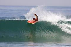 Francia que practica surf imagen de archivo