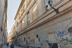 Franciscan gata i Kosice, Slovakien royaltyfri fotografi